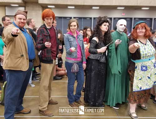 The Family that Cosplays Together .... or how I finally got the guts to play dress up in front of other geeks at the Dallas Comicon.