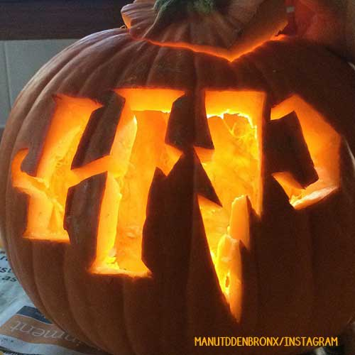 Don't let pumpkin carving season be stressful. Here are some easy DIY, geeky pumpkin carving ideas!