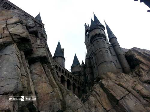 Hogwarts: Men in Black: Our first visit to Universal Orlando and Wizarding World of Harry Potter - come check it out for details on vacation planning and having fun!